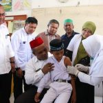 Abusyik | Temani Murid SD Imunisasi MR